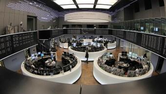 Bolsas europeas inician la semana con bajas