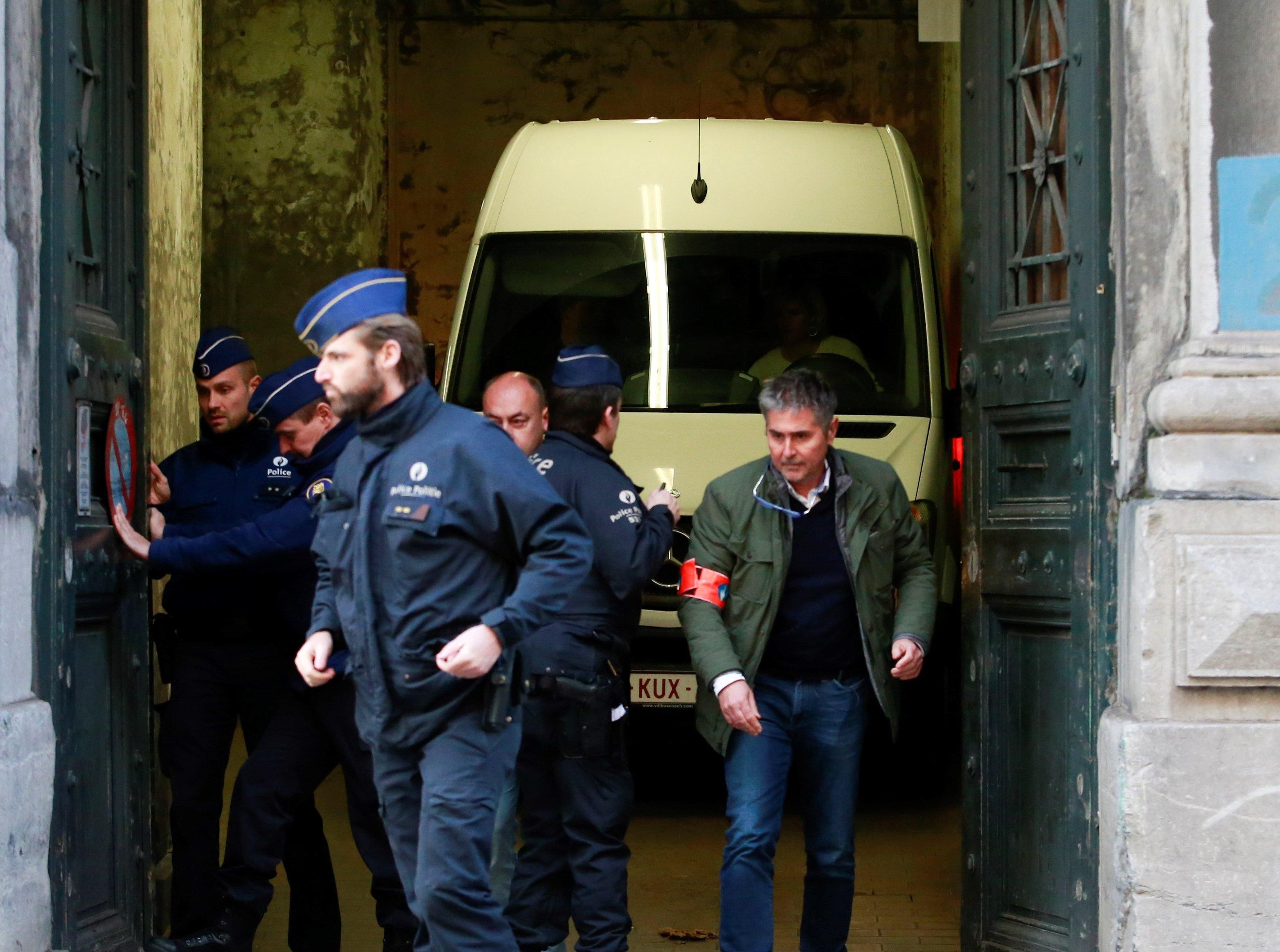 Extradición de Puigdemont a España se definirá hasta el 4 de diciembre