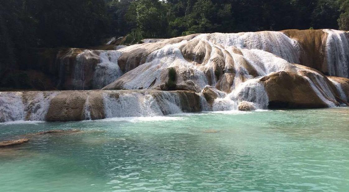 Cascadas de agua azul, recuperadas totalmente