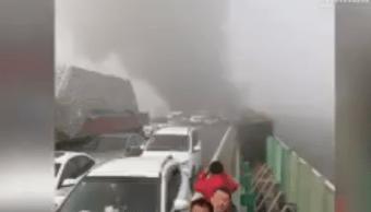 Choque múltiple en China deja 18 muertos