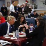 Trump ya piensa en la reelección y organiza desayuno para recaudar fondos