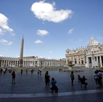 Dos sociedades de Malta denuncian al Banco Vaticano por incumplir inversiones