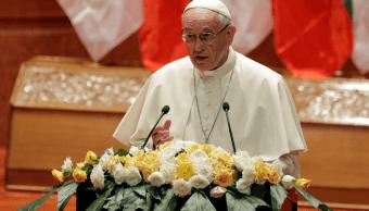 El papa ofreció un discurso directo ante las autoridades de Myanmar