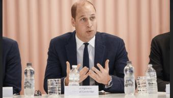 El príncipe Guillermo se une a iniciativa contra el acoso en la red