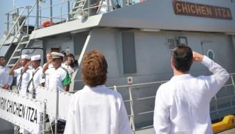 pena nieto atestigua hundimiento buque y abandera patrulla costera veracruz