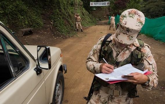 Conflicto armado sigue en Colombia pese a paz con FARC, revela AI