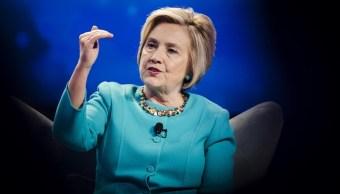 Sessions valora nombrar fiscal especial investigar Hillary Clinton