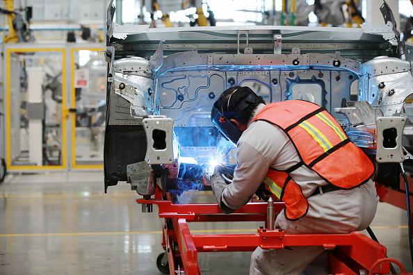 Exportación de autos de México crece 12.7% en octubre: AMIA
