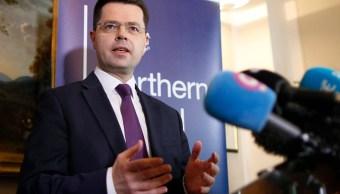 Londres toma las riendas de la economía de Irlanda del Norte