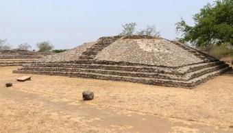 Hallan petroglifos en la zona arqueológica de La Campana, Colima