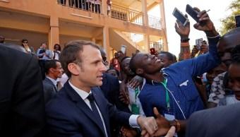 Emmanuel Macron pide combatir el tráfico de migrantes africanos