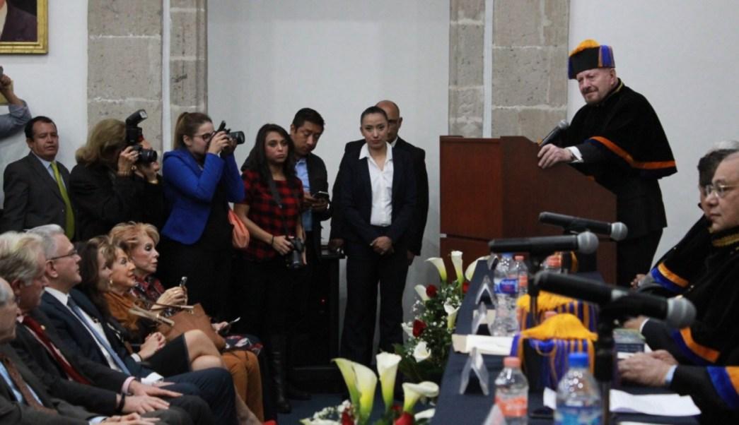 manuel mondragon presenta-tesis-marihuana y sus implicaciones mexico