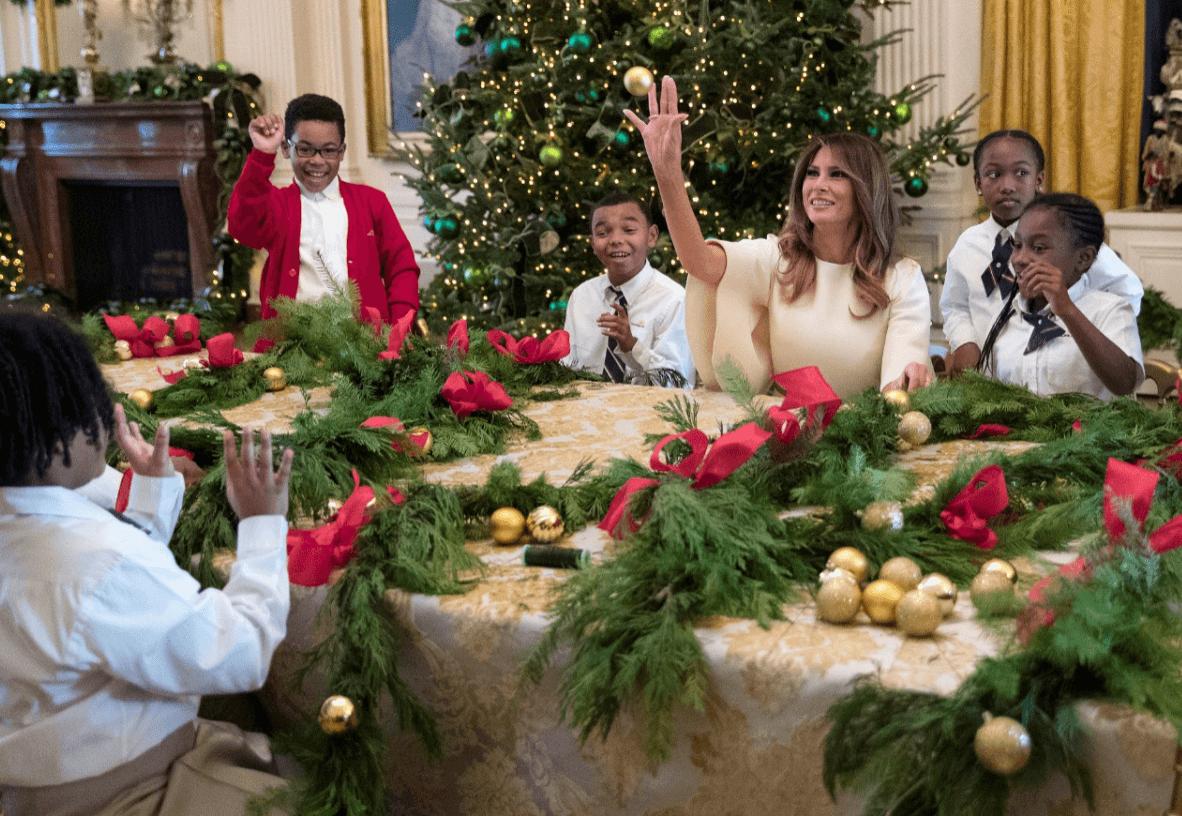 Galería: Melania Trump llena la Casa Blanca de árboles navideños