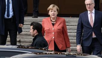 Merkel lamenta fracaso de negociaciones de coalición