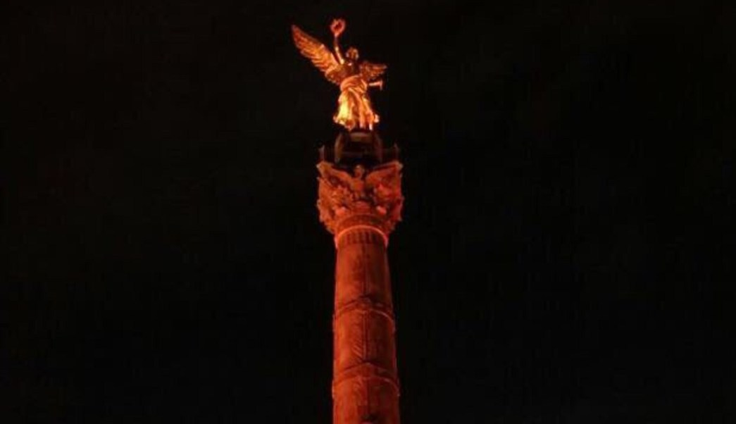 iluminan naranja monumentos cdmx