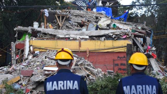 Damnificados sismo CDMX piden diputados 50 mil mdp