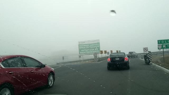 Neblina afecta la visibilidad en el Circuito Exterior Mexiquense