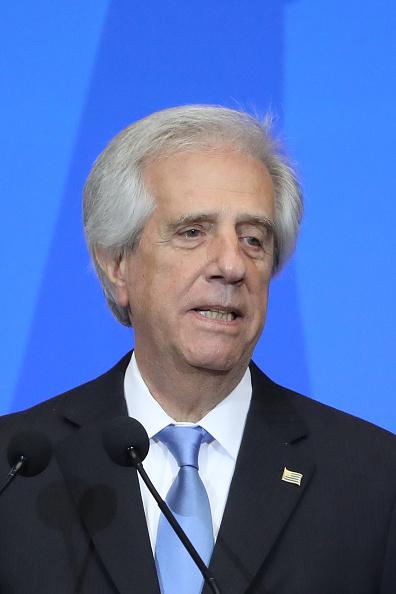 Vázquez dice que ni los países más poderosos avanzan solos