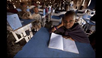 Niños en una escuela de Tanzania