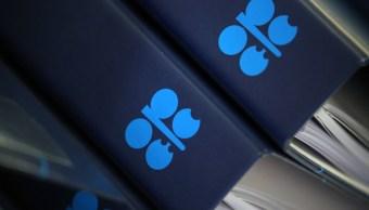 La OPEP acuerda extender el recorte de producción de petróleo