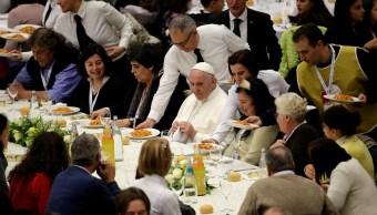 Papa Francisco invita a comer en el Vaticano a mil 500 pobres