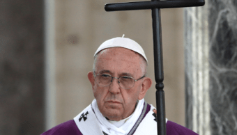 El papa Francisco preside misa de Difuntos en panteón Nettuno de Roma