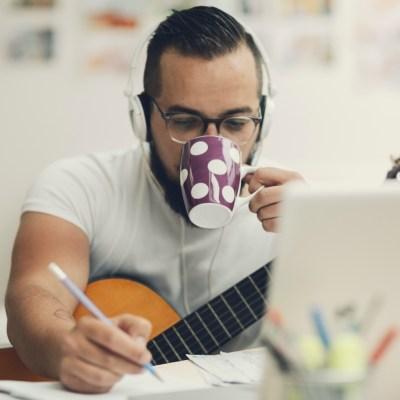 ¿Cómo debo facturar si soy freelancer?
