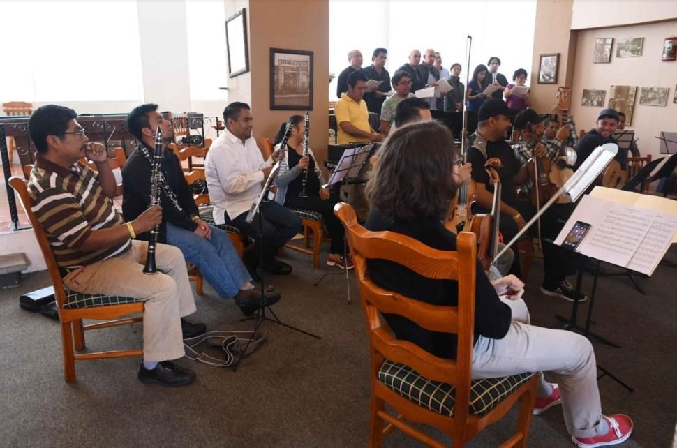 Presenta SEP la Orquesta y Coro de Música Tradicional Mexicana
