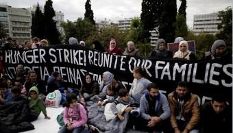 Refugiados protestan en Grecia; exigen vuelos para reunirse con familiares en Alemania