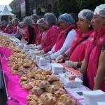 reparten pan de muerto en la ciudad de méxico