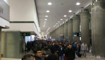 Se retrasan vuelos en el AICM