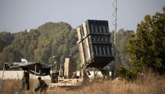 Soldados de Israel vigilan instalaciones del escudo aéreo