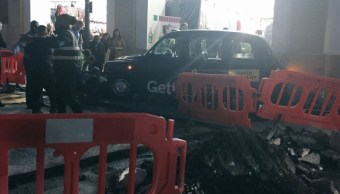 Taxi arrolla a peatones en Londres; descartan móvil terrorista