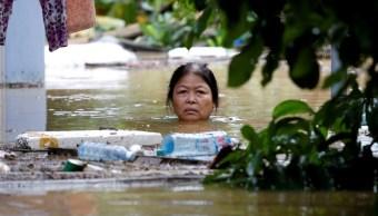 Tifón 'Damrey' deja 61 muertos en Vietnam; buscan desaparecidos