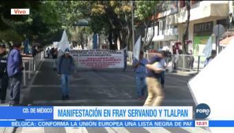 Campesinos marchan de Fray Servando hacia el AICM