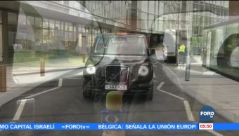 Evolucionan los legendarios taxis negros de Londres