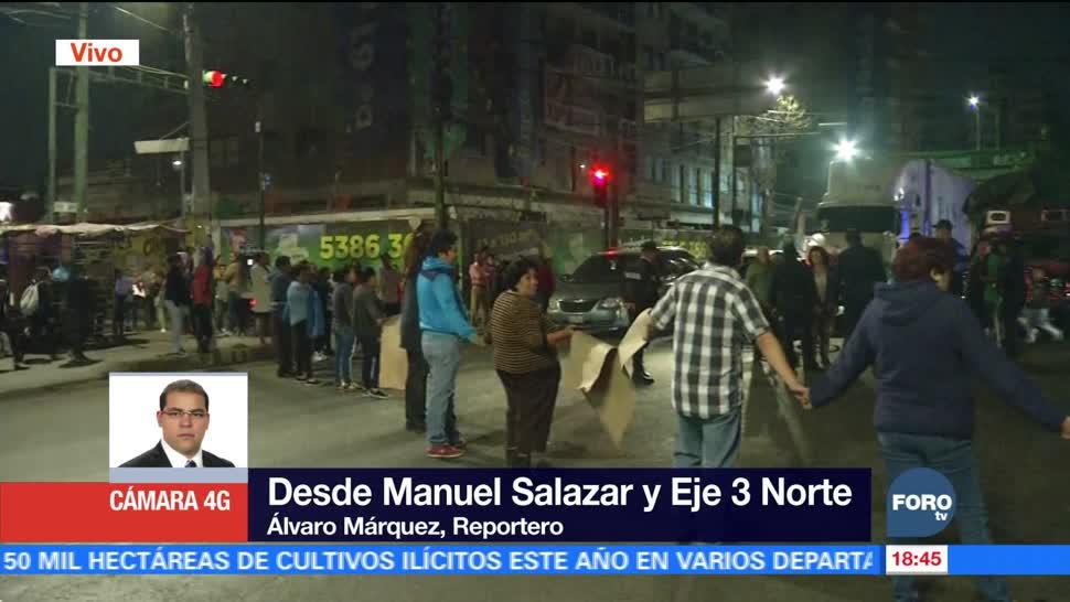 Vecinos cierran avenida en Azcapotzalco por falta de agua