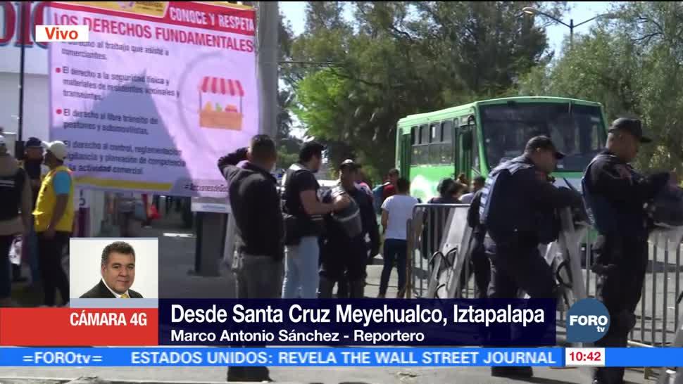 Autoridades dialogan con líderes del tianguis de Santa Cruz Meyehualco