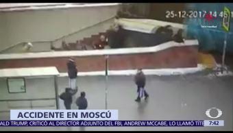 Un camión atropella a varios peatones en entrada del Metro en Moscú