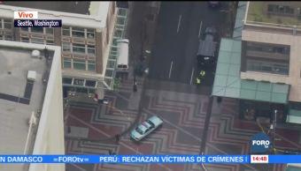 Vehículo embiste a peatones en Seattle, EU