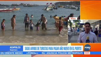 Sigue arribo de turistas al puerto de Acapulco