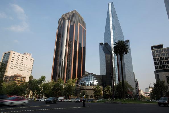 Bolsa Mexicana cierra con baja de 0.22 % en inicio de semana