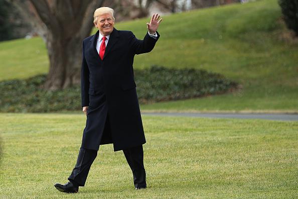 Trump inicia vacaciones de fin de año en su club de golf