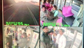 PGJ-CDMX investiga asalto a usuarios en camión del Metrobús