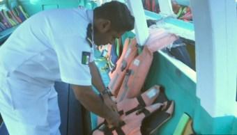 autoridades de acapulco revisan embarcaciones de turismo