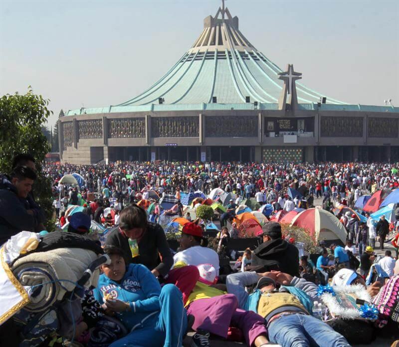 Mueren 8 peregrinos en accidente en la México-Puebla