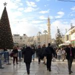 Festejan la Navidad en Belén marcada por el conflicto de Jerusalén