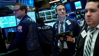Wall Street cierra pérdidas y Dow Jones baja 0 31 ciento
