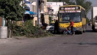 Choque de camiones en Nuevo León deja sin luz varias viviendas