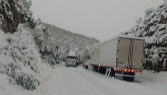 Continúan cierres carreteros en Coahuila y Nuevo León